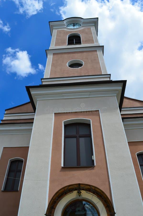 Catedral do ` s Anna de Saint em Khust, Ucrânia o 3 de maio de 2016 fotos de stock royalty free