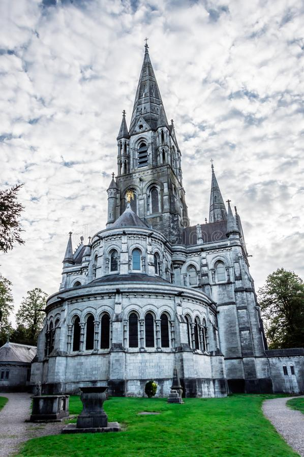 Catedral do ` s da barra da aleta de Saint na cortiça, Irlanda fotografia de stock