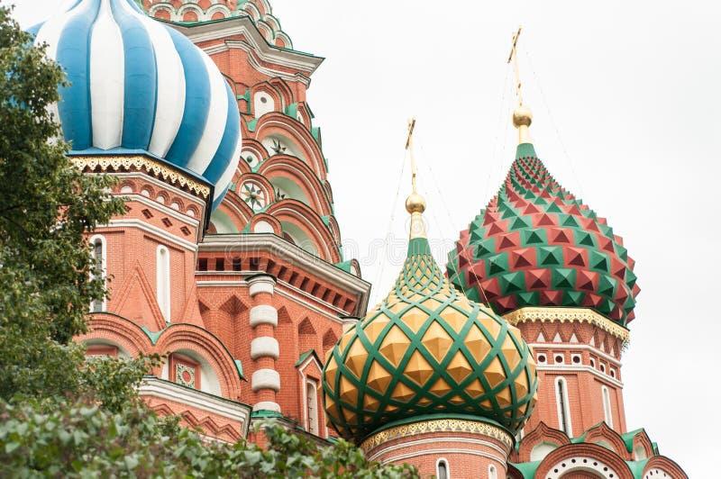 Catedral do ` s da manjericão do St no quadrado vermelho de Moscou fotos de stock royalty free