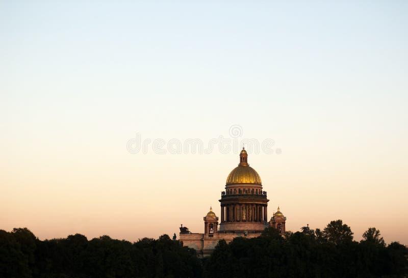 Catedral do St Isaac, St Petersburg, Rússia fotografia de stock royalty free