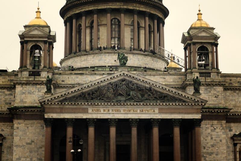 Download Catedral do St Isaacs foto de stock. Imagem de isaac - 107529282