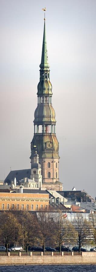 Catedral do St. Peter, Riga (Latvia) imagem de stock