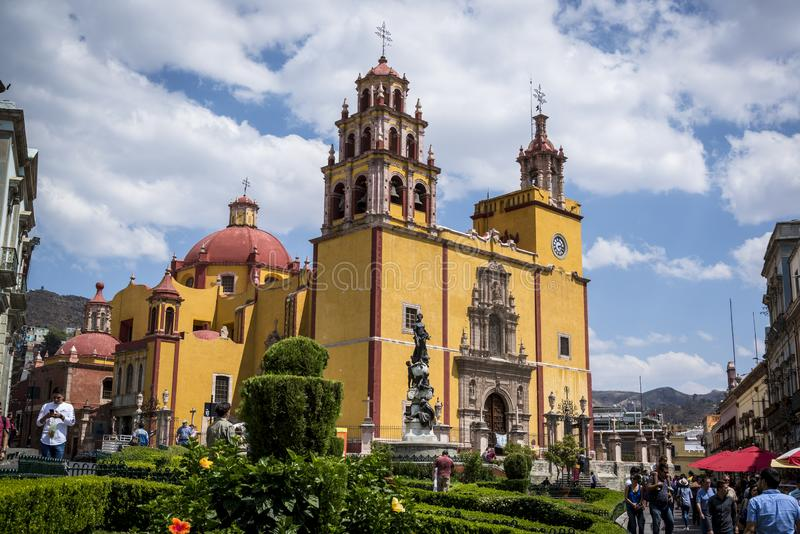 Catedral em Guanajuato, cidade em México central imagem de stock