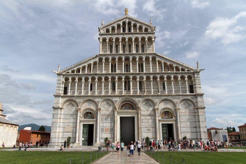 A catedral em Praça del Domo em Pisa fotografia de stock royalty free
