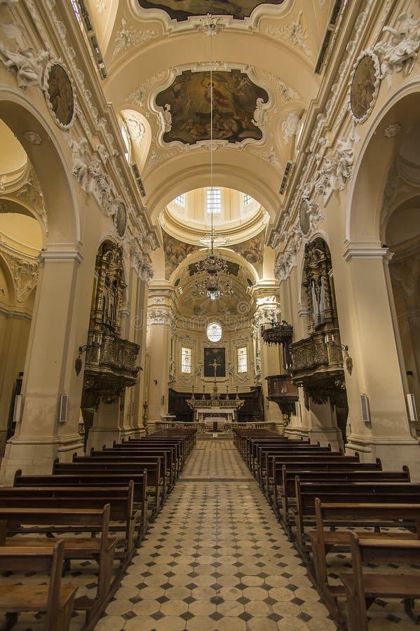 Catedral em Sulmona, Abruzzo, Itália foto de stock royalty free