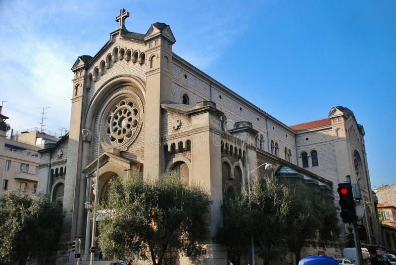 Catedral en la riviera francesa, paisaje urbano Niza de Francia imagen de archivo