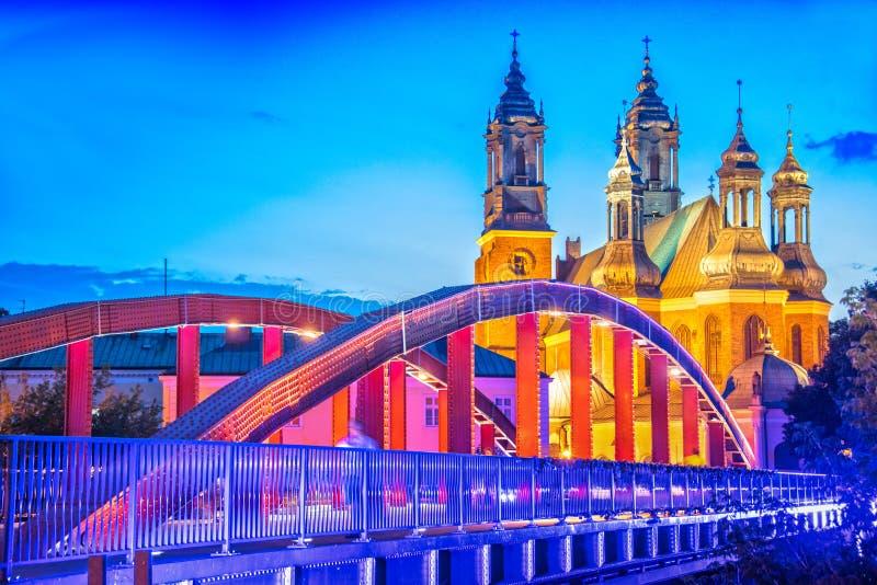 Catedral en Poznán, Polonia fotos de archivo