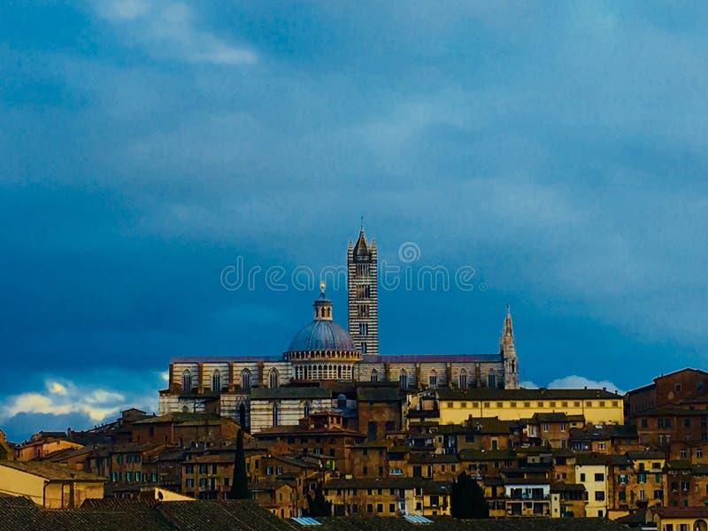 Catedral en Siena imagenes de archivo