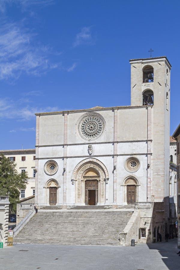 Catedral en Todi foto de archivo