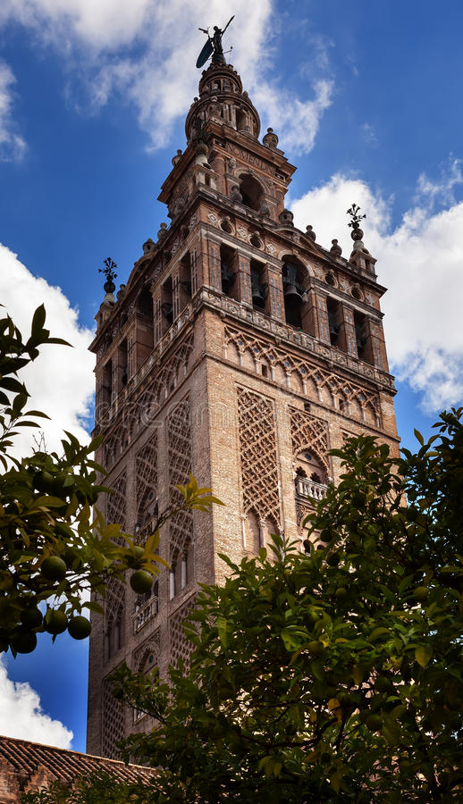 Catedral España de Sevilla del campanario de Giralda foto de archivo libre de regalías
