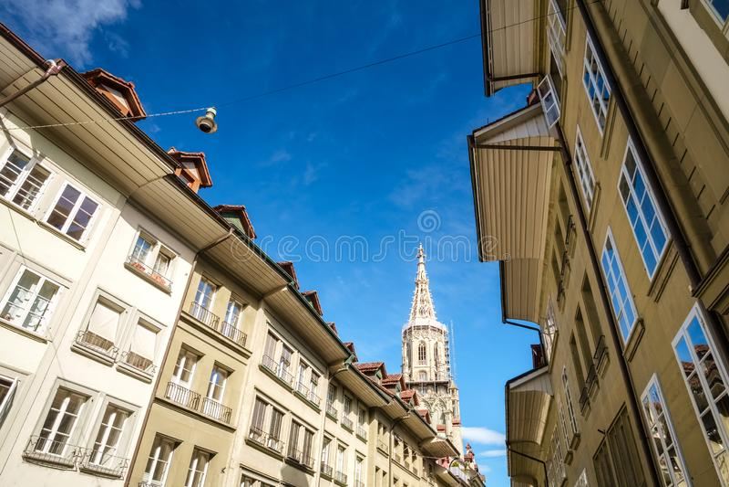 A catedral famosa de Munster em Berna, Suíça fotos de stock