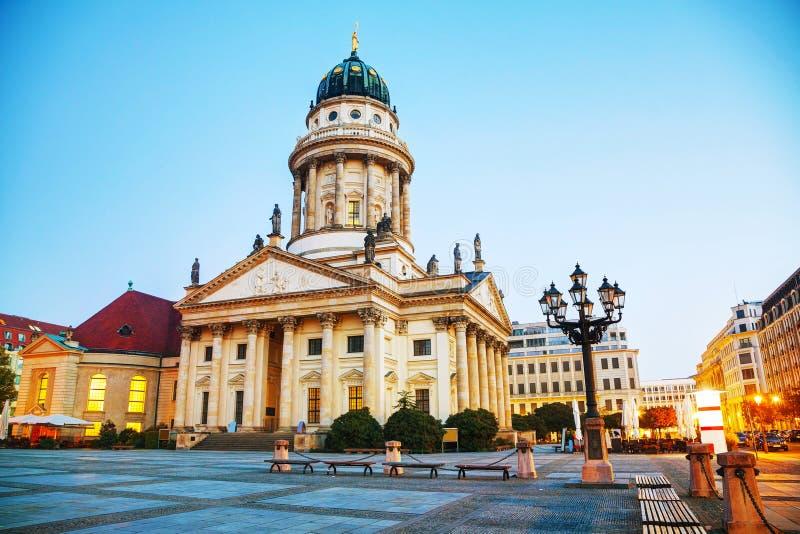 Catedral francesa (os DOM de Franzosischer) em Berlim foto de stock