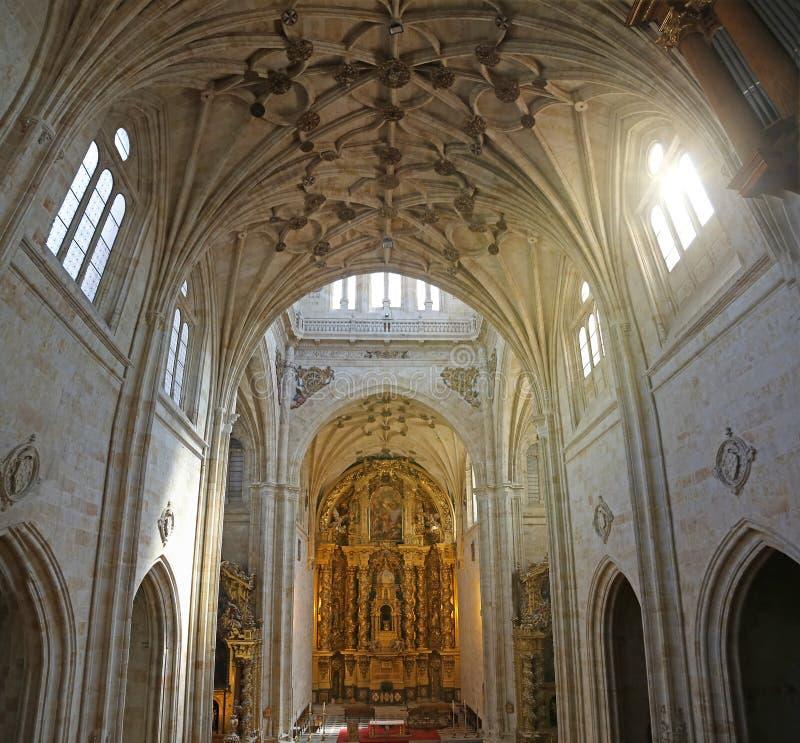 Download Catedral gótica foto de archivo. Imagen de catholicism - 44851238