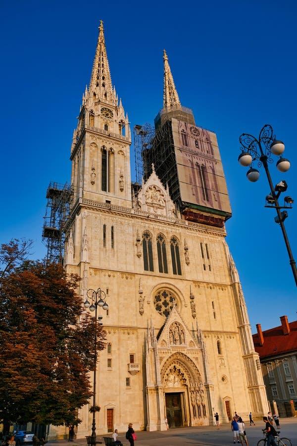 Catedral gótica de Zagreb del estilo, Croacia imagen de archivo