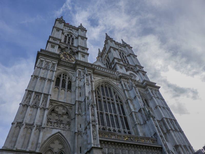 Catedral gótica en Inglaterra imagenes de archivo