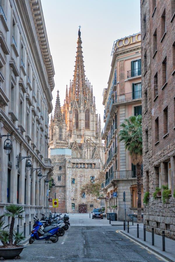 Catedral g?tica en la salida del sol, Espa?a de Barcelona imágenes de archivo libres de regalías