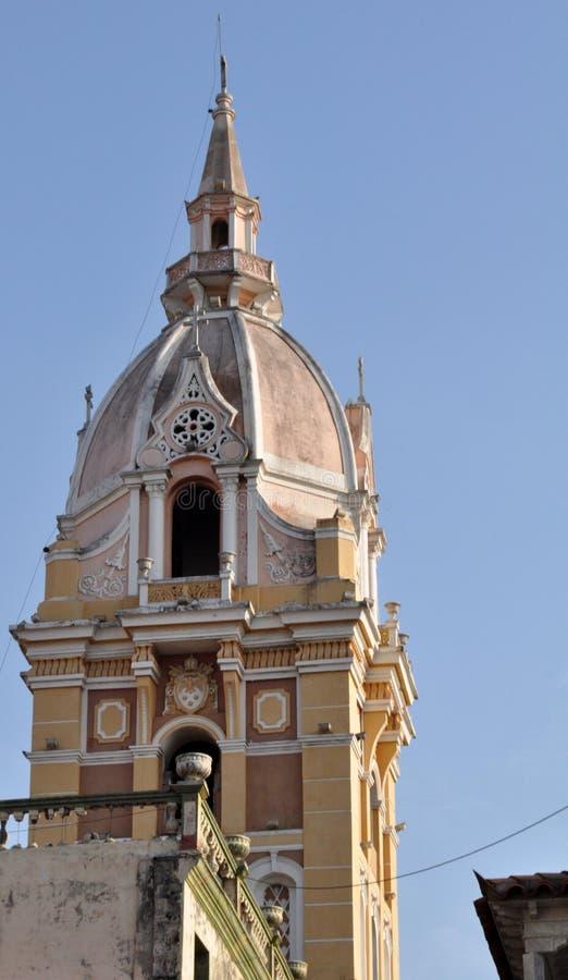 catedral imponente en el viejo centro histórico de Cartagena, Colombia fotos de archivo libres de regalías