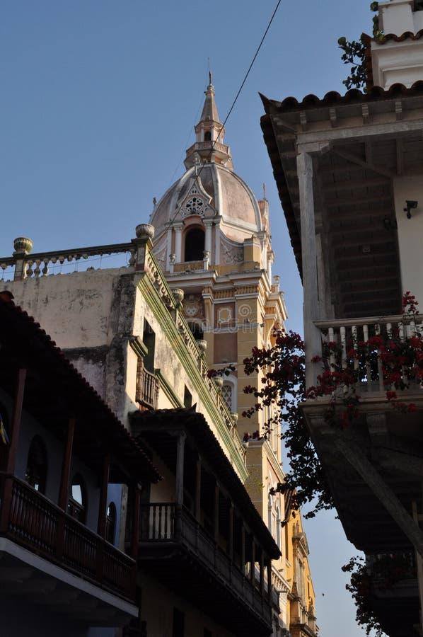 catedral imponente en el viejo centro histórico de Cartagena, Colombia imagenes de archivo