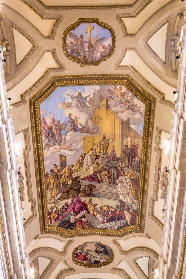 Catedral interior de Cagliari, Sardina, Itália fotos de stock