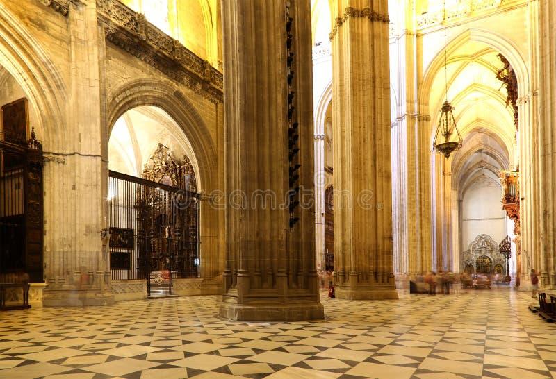 Catedral interior de Sevilla -- Catedral de St Mary del ver, Andalucía, España foto de archivo