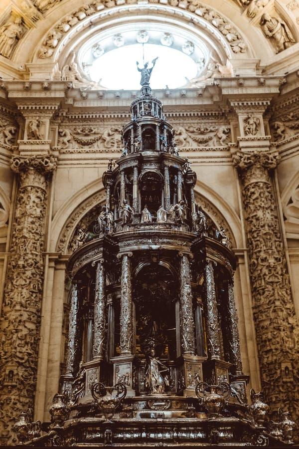 Catedral interior de Sevilla -- Catedral de St Mary del ver, Andaluc?a, Espa?a imagen de archivo