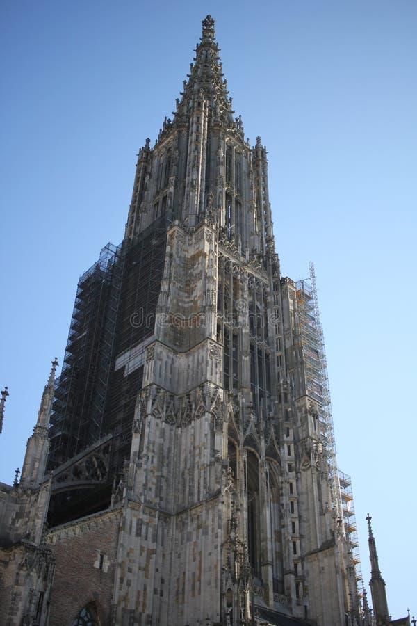 Catedral Lutheran de Baden-Wurttemberg da igreja na cidade velha de Ulm, Alemanha, arte arquitetónica antiga do detalhe fora da i fotos de stock royalty free