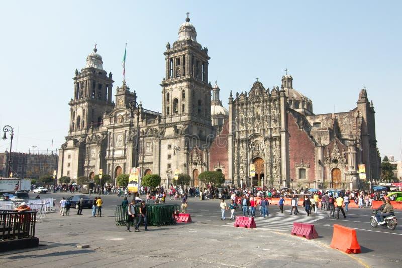 Catedral metropolitana, com o tabernáculo metropolitano à direita imagens de stock royalty free