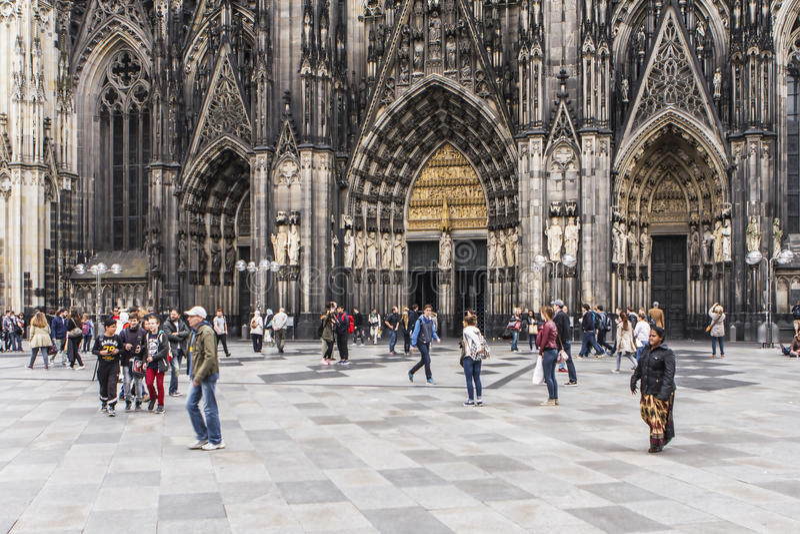 A catedral na água de Colônia, Alemanha fotos de stock
