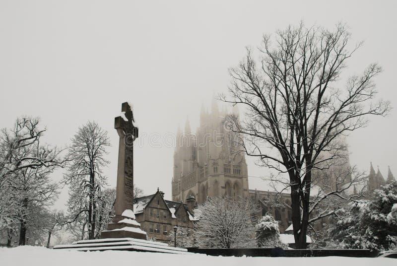 Catedral nacional en nieve imágenes de archivo libres de regalías