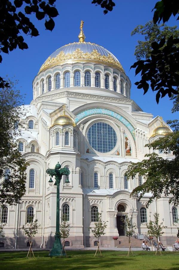 Catedral naval en Kronshtadt imagen de archivo