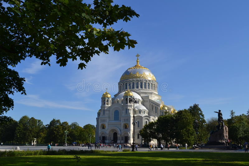 Catedral naval Kronstadt foto de archivo