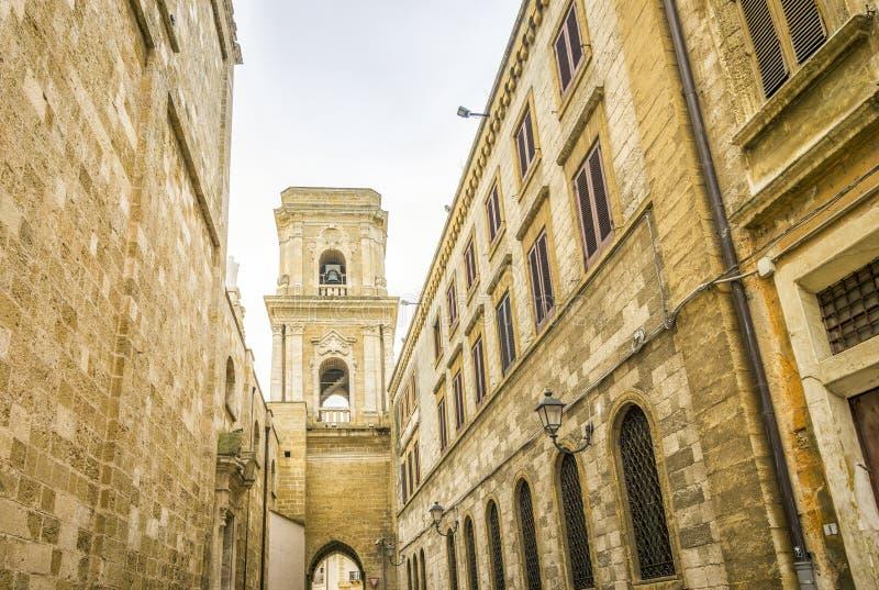 Catedral no centro da cidade de Brindisi, Itália foto de stock