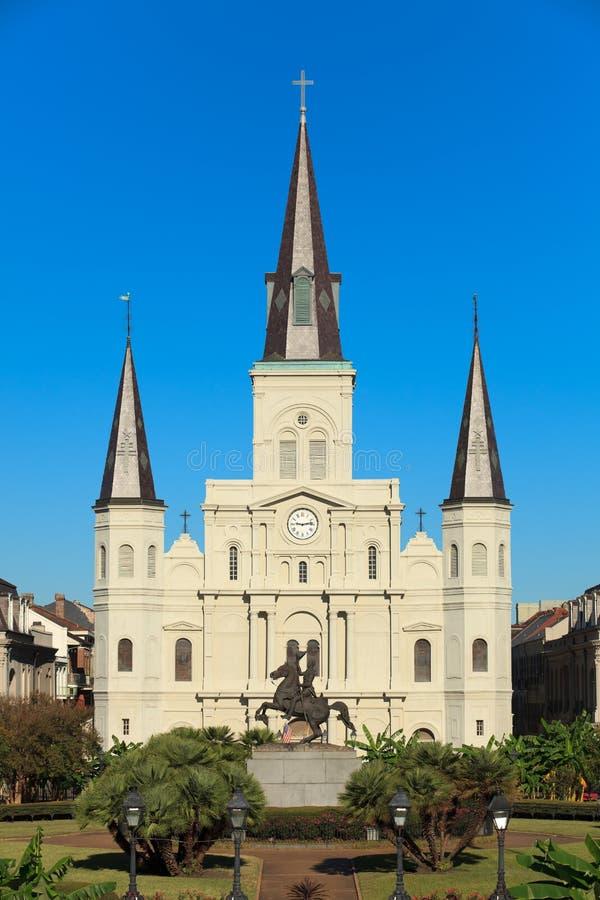 Download Catedral Nova Orleães De St Louis Foto de Stock - Imagem de louisiana, clock: 16874234