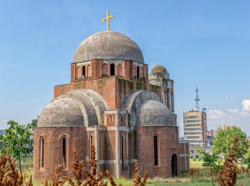 Catedral ortodoxa inacabada en Pristina imagen de archivo libre de regalías