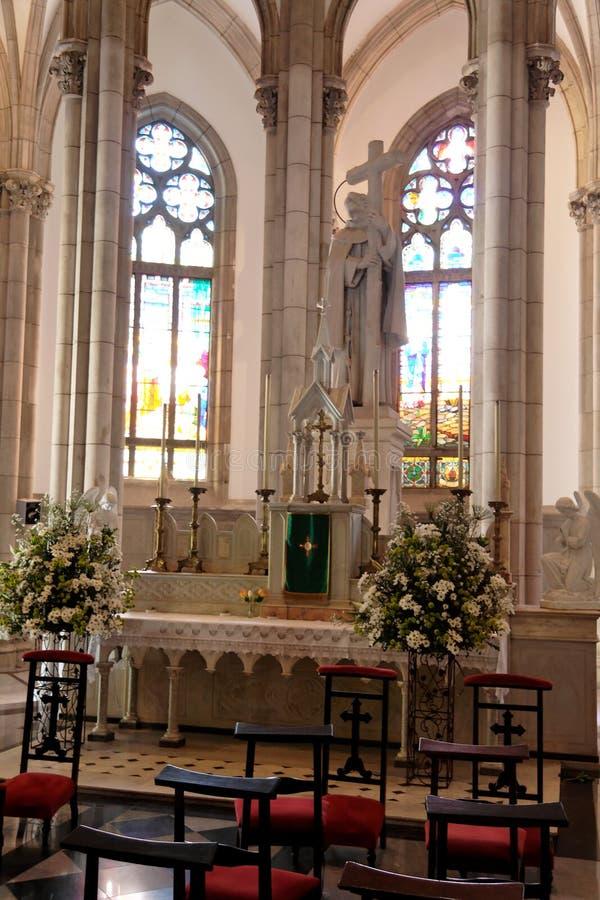 Catedral Petropolis del altar foto de archivo