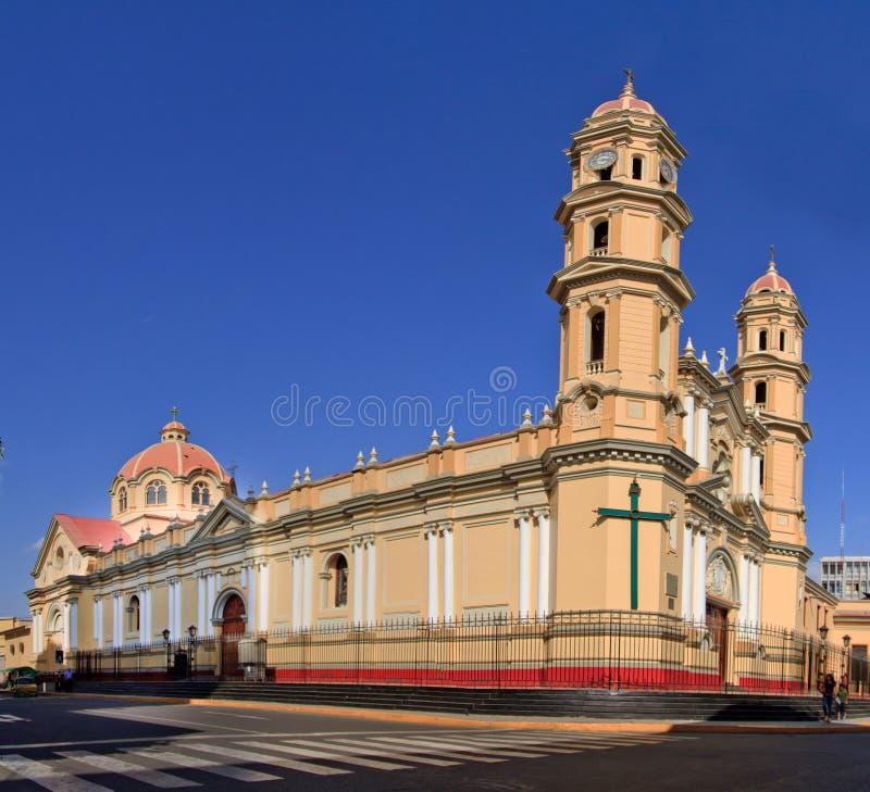 Catedral principal na cidade de Piura, em Peru imagens de stock