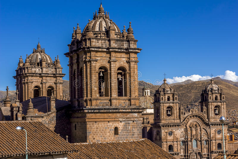Catedral y sociedad de Jesus Church Bell Towers Cuzco Perú fotos de archivo