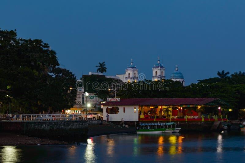 Catemaco Malecon i restauracja, kopii przestrze? zdjęcia stock