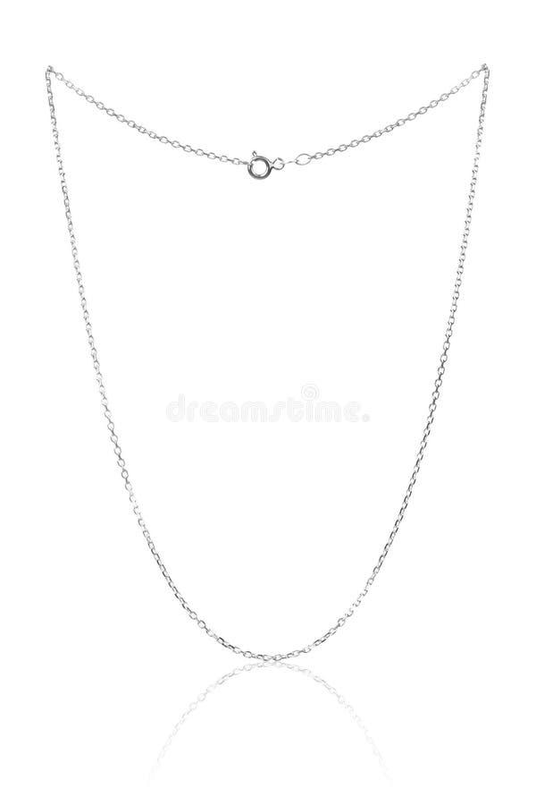 Catena d'argento della collana, gioielli di lusso su fondo bianco fotografia stock