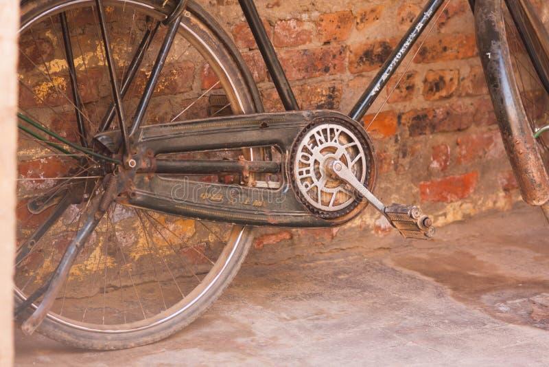 Catena e pedali di un ciclo fotografia stock