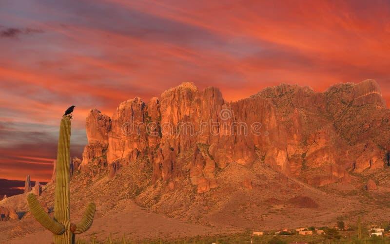 Catena montuosa del deserto immagini stock