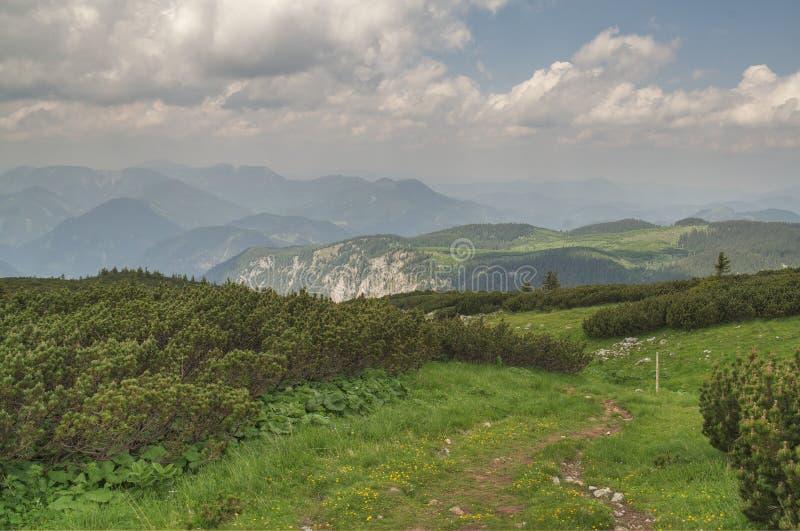 Catena montuosa di Rax-Schneeberg fotografia stock libera da diritti