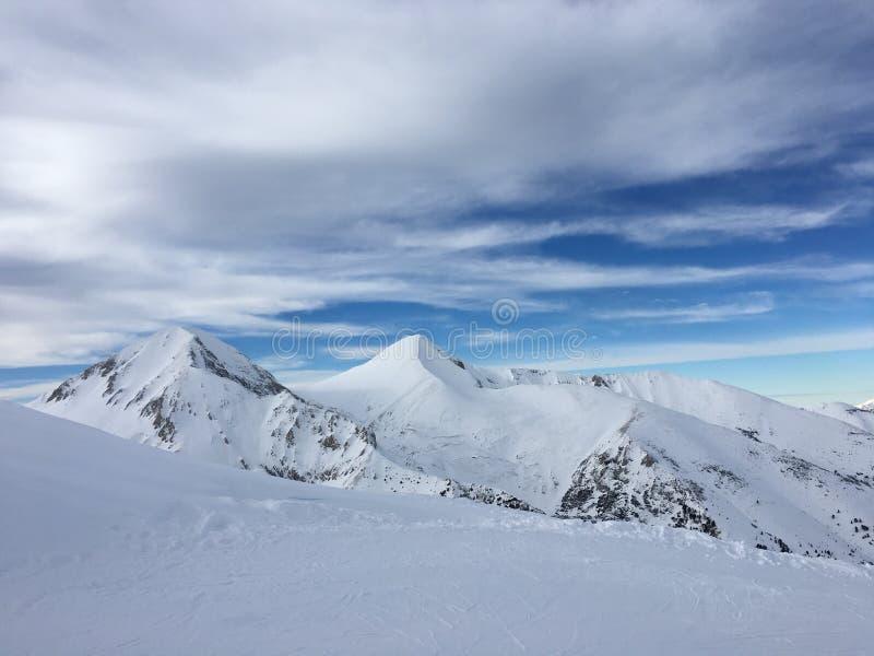 Catena montuosa di Snowy fotografia stock libera da diritti