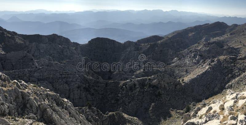 Catene montuose pericolose che non passano immagini stock libere da diritti
