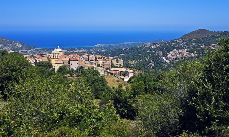 Cateri с близрасположенным Aregno, Корсика стоковая фотография rf