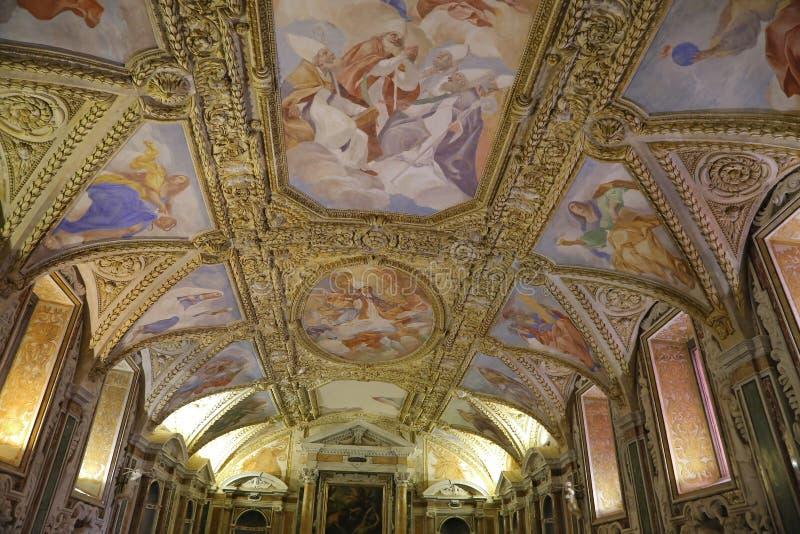 Cathédrale Basilic de l'hypothèse de Maru de saint dans le ciel - Gaeta, Italie image libre de droits