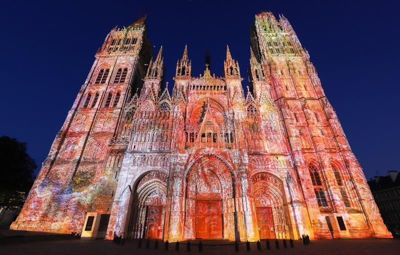 Cathédrale célèbre de Notre-Dame De Rouen au crépuscule, Rouen, France photo libre de droits