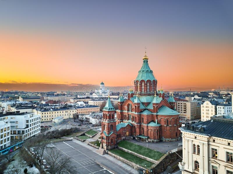 Cathédrale d'Uspenski, église de Saint-Nicolas, palais présidentiel et soirée Helsinki image libre de droits
