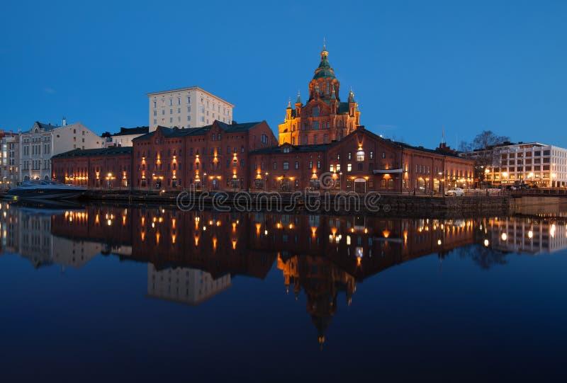 Cathédrale d'Uspenski la nuit photographie stock