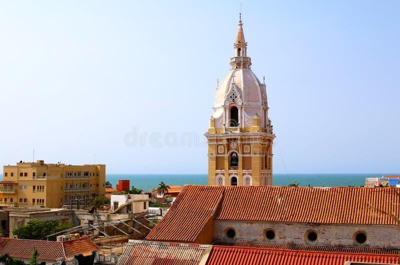 Cathédrale dans la ville coloniale espagnole de Carthagène, Colombie photos stock